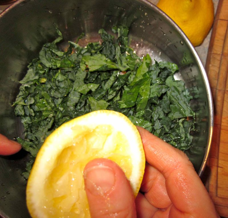 Raw_kale_salad