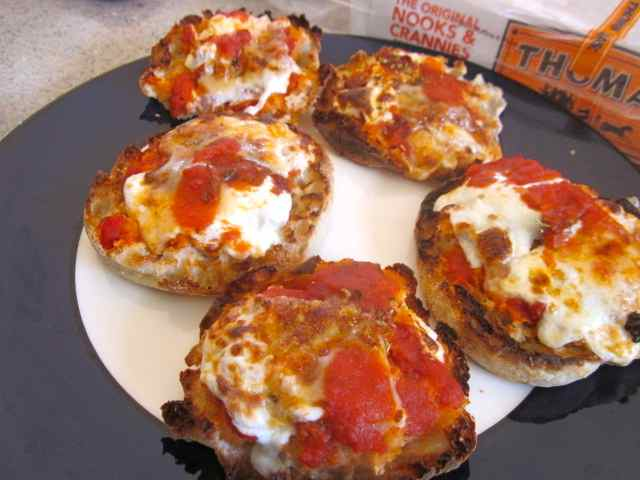 Stay at Stove Dad: English-Muffin Pizzas, or I Can't Believe I Ate the ...