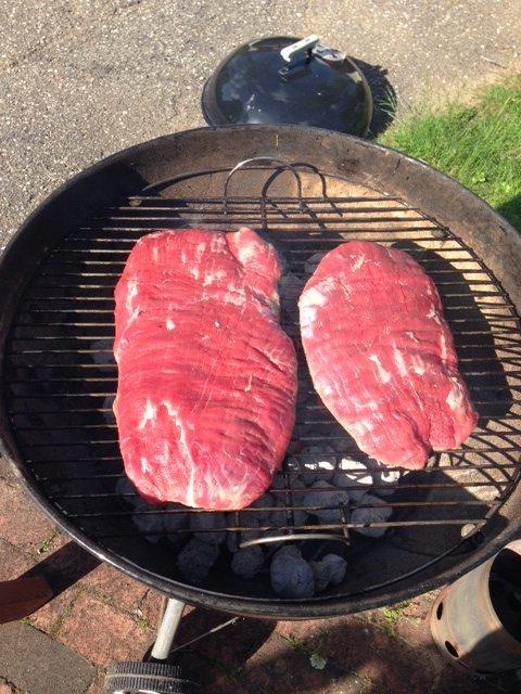 Flank_steak_on_grill