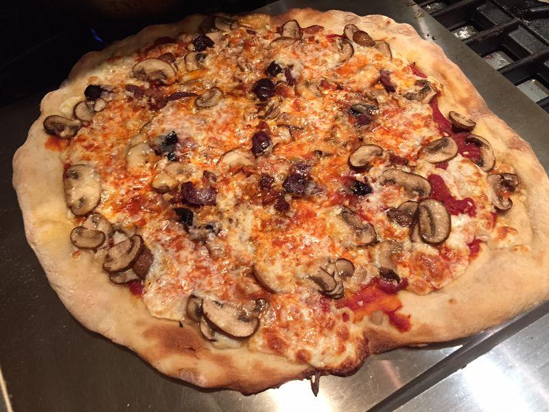 Sausage_mushroom_olive_pizza